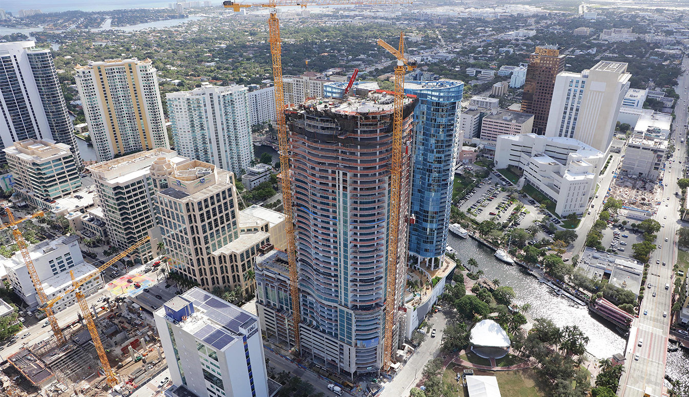 100 Las Olas Top Out December 2018